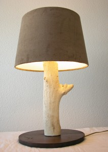 Grande lampe en bois flott caract re naturel par benoit for Lampes en bois flotte