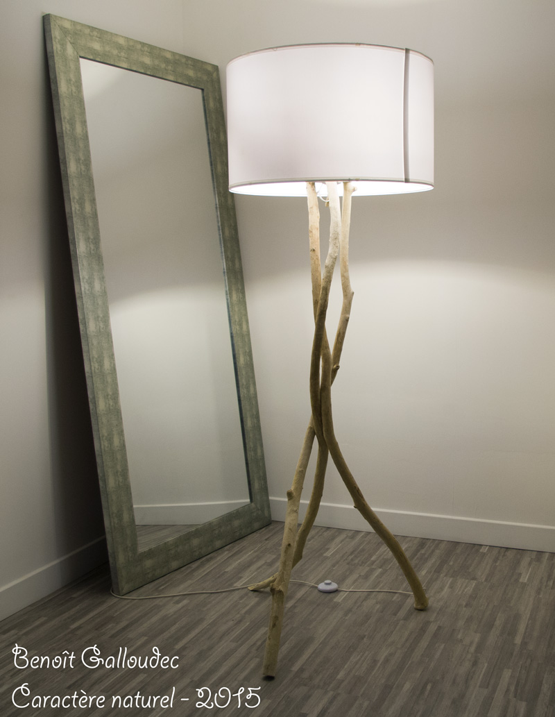 Lampadaire en bois flott caract re naturel par benoit galloudeccaract re naturel par benoit - Chambre en bois flotte 2 ...